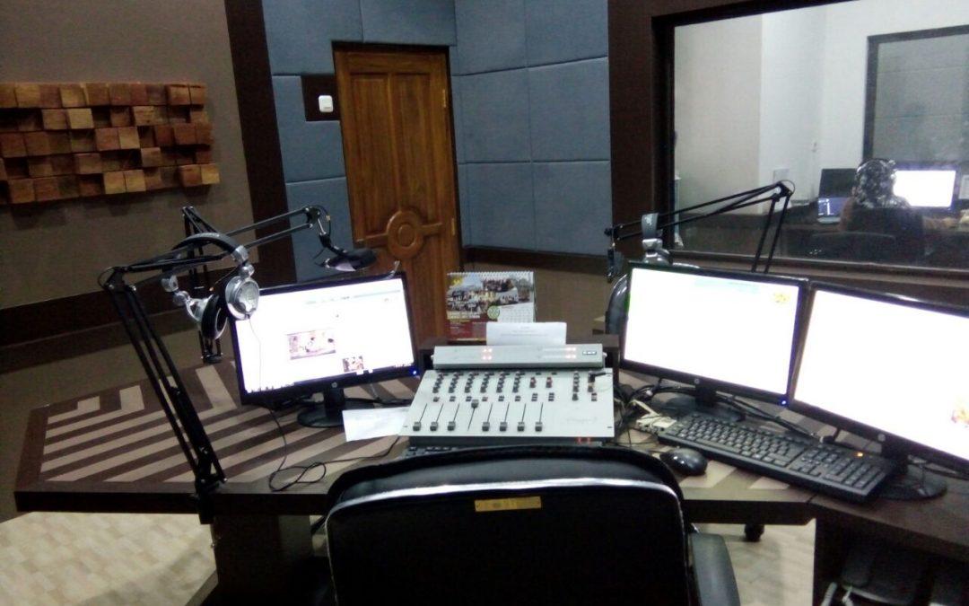 Ruang Siaran Maya FM